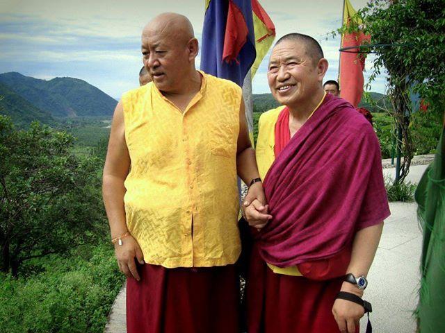 Дрикунг Кьябгён  Чецанг Ринпоче (слева) и Гарчен Ринпоче