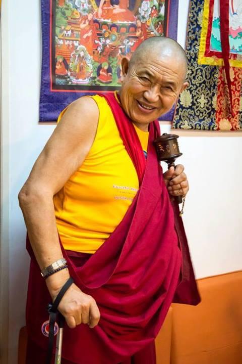 Гуру-йога Гарчена Ринпоче именуемая 'Сияние благословений'