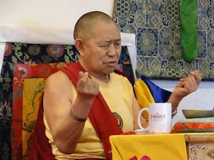 «ДрікунгСпільнота Ратнашрі» приглащает на лекцию  Его Преосвященства Кьябдже Гарчена Ринпоче 22 октября, 2014 года
