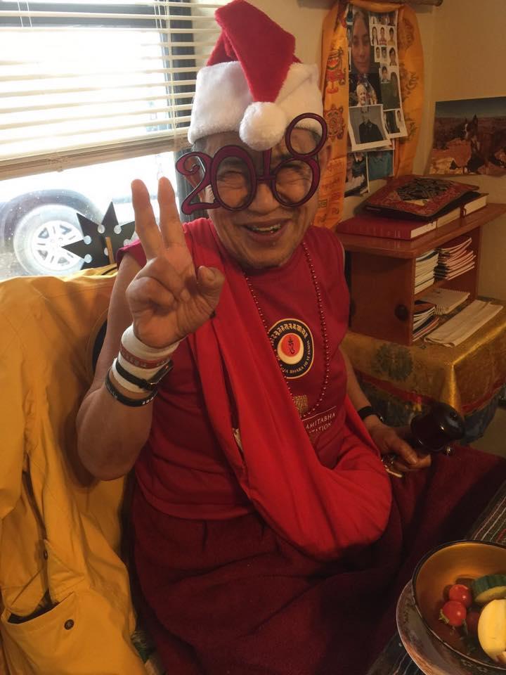 ЕП Гарчен Ринпоче желает счастливого Рождества и Нового года! 🎈 🎄